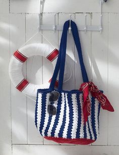 Nautical Red and Cream Beach Bag L67PWAHF