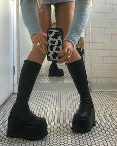 Platform Boots Outfit, Black Platform Boots, Platform Shoes, Black Boots, Dr Shoes, Sock Shoes, Me Too Shoes, Shoes Jordans, Shoes Sneakers