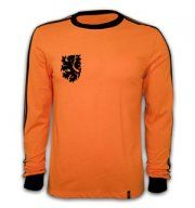 $64    Holland Football Shirt 1977      http://www.futbol-fan.es/hollandfootballshirt1977-p-222.html