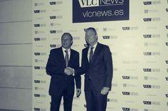 Juan Carlos Castaños, junto a Alberto Fabra, Presidente de la Comunidad Valenciana.   www.vlcnews.es