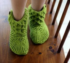 free crochet boot patterns for adults | after the great response i had with my crocodile stitch baby booties ...