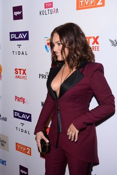 Ewa Farna Chloe Grace, Celebs, Celebrities, Celebrity Photos, Peplum Dress, Jumpsuit, Beautiful Women, Culture, Actresses