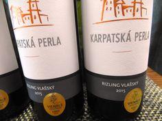 Nový tovar z Karpatskej perly - www.vinopredaj.sk.  Určite ochutnajte vína ocenené zlatými medailami z Vinenále Topoľčianky, kde hodnotia víno výlučne ženy ...  Pálava 2015 a Rizling Vlašský 2015 z vinárstva Krapatská perla sú vína , ktorými budete nadšení.  #karpatskaperla   #karpatska #perla #rizlingvlassky #palava #vino #odroda #wine #wein #vinarstvo #winery #slovensko #slovaki #slovak #kaviaren #vinoteka #inmedio #wineshop #deli #delishop #varieto #vienale #vienaletopolcianky…