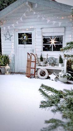 Christmas Garden, Christmas Mood, Modern Christmas, Christmas Is Coming, Country Christmas, Outdoor Christmas, Simple Christmas, All Things Christmas, Navidad Diy