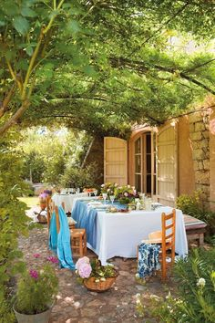 Pergola Terrasse Videos Provence - - - Modern Pergola Videos Plans - Pergola Ideas Videos On A Budget How To Build Outdoor Rooms, Outdoor Dining, Outdoor Gardens, Outdoor Furniture Sets, Outdoor Decor, Gazebos, Haus Am See, Pergola Patio, Pergola Ideas