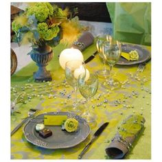 #Bonplan -40% chemin de table renaissance http://www.baiskadreams.com/569-chemin-de-table-intisse-renaissance-vert-amande.html… #promotion #baptême #wedding #mariage