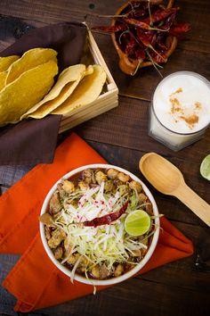 El tradicional pozole es una comida que no te puedes perder, un platillo típico de México que le encantará a toda tu familia.