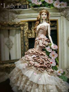 Beautiful gown by my friend (*Lady PAM*- Winlaphat Srisakulmekhi)