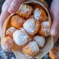 Easy Churros Recipe, Baked Donut Recipes, Baked Donuts, Doughnuts, Zeppoli Recipe, Russian Tea Cookies, Italian Donuts, Cream Filled Donuts, Donut Filling