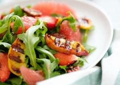 7 vinagretas para acompañar tus ensaladas de lechuga - Adelgazar en casa Tasty, Yummy Food, Healthy Salads, Caprese Salad, Vinaigrette, Green Beans, Health Fitness, Cooking Recipes, Chicken