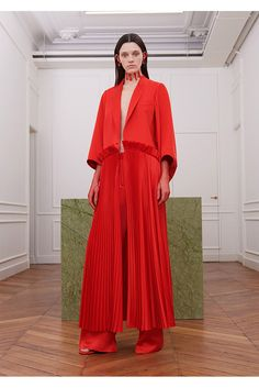 Givenchy Fall 2017 Ready-to-Wear Collection Photos - Vogue Red Fashion, Live Fashion, Fashion 2017, Runway Fashion, Fashion News, Autumn Fashion, Paris Fashion, Givenchy 2017, Givenchy Women