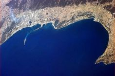 Chris Hadfield took this stunning image of the city of Perth, and the long curve to the very Southwestern tip of Australia on Jan. 21, 2013.
