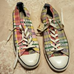 be0e9bc4bcca Converse Shoes Plaid Converse in good used condition need to be clean  Converse Shoes Sneakers