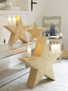 The handmade holiday decorating experts offer modern takes on decorating your home this holiday season. Diy Wood Projects, Wood Crafts, Diy And Crafts, Wood Stars, Flower Artwork, Christmas Decorations, Holiday Decor, Family Holiday, Modern Christmas