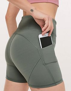 Track & Train Short - Take your workout from indoors to outdoors. These track and train shorts come with plenty of pockets and no zippers so you can run, train, or hit up hot yoga. Tiny Shorts, Hot Shorts, Cycling Shorts, Running Shorts, Running Gear, Hot Yoga, Athletic Outfits, Running Women, Short Skirts