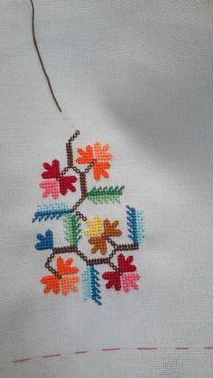 This Pin was discovered by Mac Mini Cross Stitch, Cross Stitch Borders, Cross Stitch Flowers, Cross Stitching, Folk Embroidery, Cross Stitch Embroidery, Embroidery Patterns, Blackwork, Crochet Cross
