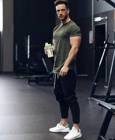 Nice style Sport Fashion, Fitness Fashion, Mens Fashion, Fitness Clothing, Gym Fashion, Moda Academia, Gym Outfit Men, Style Masculin, Look Man