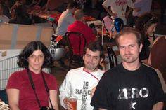 Da sinistra: l'illustratrice portoghese Alice Geirinhas, Marcos Farrajota editore delle Ediçoes Chili Com Carne e bibliotecario della Bedeteca de Lisboa e Alberto Corradi stand Black Velvet HIU 8 2002