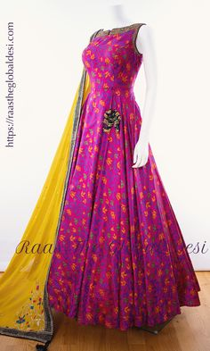 Shop premium range of Anarkali gown online USA,Indian clothes online, Indian dress near me , gown dress , wedding suits long dress and Indian Fashion Dresses, Indian Gowns Dresses, Dress Indian Style, Indian Designer Outfits, Indian Outfits, Indian Designers, Fashion Outfits, Prom Dresses, Formal Dresses
