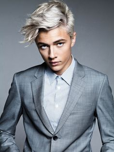 Lucky Blue Smith is the most attractive person on this planet like jesus can you not be so attractive you're kinda ruining my life