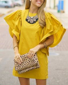 J's Everyday Fashion provides outfit ideas, budget fashion, shopping on a budget, personal style inspiration, and tips on what to wear. Simple Dresses, Casual Dresses, Short Dresses, Dresses With Sleeves, Maxi Dresses, Backless Dresses, Awesome Dresses, Look Fashion, Fashion Outfits