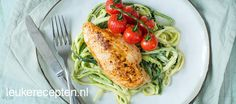 Courgetti pesto met kip - Leuke recepten Paleo Recipes, Low Carb Recipes, Great Recipes, Dinner Recipes, Still Tasty, Good Food, Yummy Food, Healthy Food, Fish And Meat