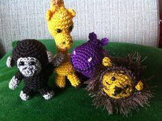 Vier safaridiertjes gehaakt die ik nog aan een mobiel ga maken.