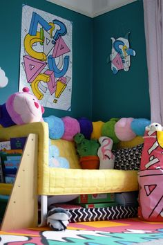 IKEA Spridd collection in this super colourful toddler bedroom makeover on a budget. Love this reading corner in particular