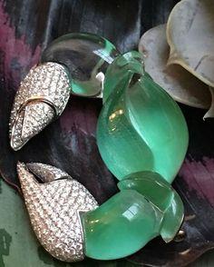 @twentyonejewels. Crab brooch with jade, rock crystal and diamonds mounted in gold, by Vhernier. @vhernier #jewelry