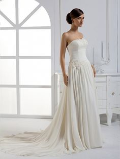 2012 Fall Strapless Chiffon bridal gown with Natural waist