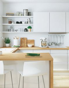 10 Active Cool Tips: Inexpensive Kitchen Remodel kitchen remodel grey cabinets.Galley Kitchen Remodel Ikea small u shaped kitchen remodel.Kitchen Remodel Layout Before After. Apartment Kitchen, Home Decor Kitchen, Kitchen Interior, New Kitchen, Kitchen Ideas, Kitchen Small, Tidy Kitchen, 1950s Kitchen, Kitchen Sinks