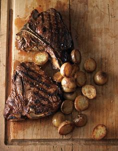 Steak with crispy potatoes