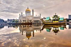 by ~mimo~ on Flickr.  Morning view of Sultan Omar Ali Saifuddin Mosque in Bandar Seri Begawan, Brunei.