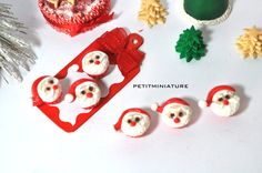 3 MINI CUPCAKE 10 mm polymer clay 1:2 scale by PetitMiniatures
