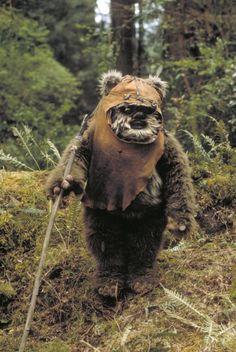 Still of Warwick Davis in Star Wars: Episode VI - Return of the Jedi (1983)