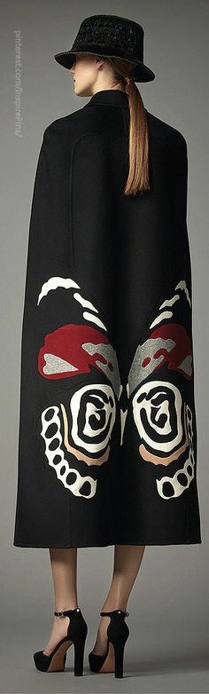 Pre-Fall 2014 Valentino.....this looks hand painted!  I have done some fabric painting, and taught classes as well.