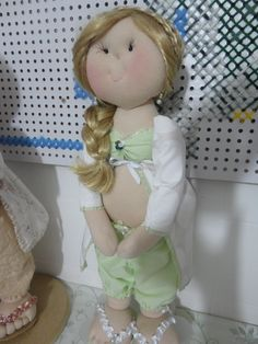 boneca gravida decorativa