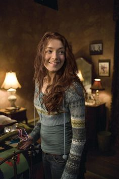 Sarah Bolger as Mallory Grace in The Spiderwick Chronicles Writing Characters, Story Characters, Female Characters, Female Character Inspiration, Story Inspiration, Writing Inspiration, Story Ideas, Sarah Bolger, Sexy Women