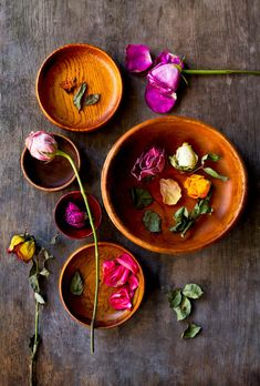 Colour and flowers Ana Rosa Still Life Photography, Food Photography, Vignette Photography, Drying Roses, Colorful Roses, Arte Floral, Color Theory, Color Pallets, Colour Schemes