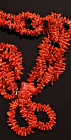 Girocollo corallo fermezza in oro giallo 750/1000 Decorative Objects, Wreaths, Crystal, Fall, Jewelry, Home Decor, Autumn, Decorative Items, Door Wreaths