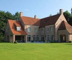 Home in St. Martens Latem. Realization by Building + (Wetteren, Belgium).