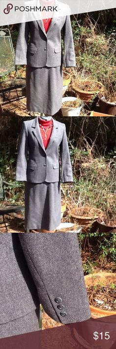 Vintage Skirt Suit GUC...fully lined Jacket and Skirt..80% wool, 20% Polyester..lining is discolored, in areas...skirt is 26 inch waist..28 inches in length ...It is dry clean only... Saville Skirts Skirt Sets
