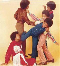 The Jackson Five The Jackson Five, Jackson Family, Janet Jackson, Tito Jackson, Jackie Jackson, Familia Jackson, Young Michael Jackson, Jermaine Jackson, Play Fighting