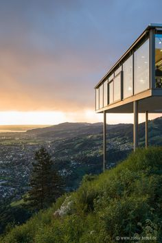 Image 15 of 16 from gallery of Panoramic Restaurant Karren / Architekten Rüf Stasi Partner. Photograph by Zooey Braun Tropical Architecture, Amazing Architecture, Interior Architecture, Pole House, House Deck, Glass Restaurant, Interesting Buildings, Exterior, Glass House