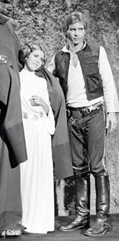 Princess Leia and Han Solo. Han Solo is awesome! Leia is great! Star Wars Film, Star Wars Cast, Star Wars Holiday Special, Saga, The Blues Brothers, Han And Leia, Star Wars Pictures, Mark Hamill, The Empire Strikes Back