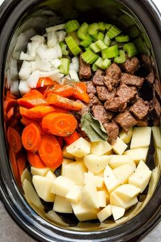 CROCK POT BEEF STEW is the best comfort food! This old fashioned beef stew recipe is made in a slow cooker. Best Crockpot Beef Stew, Homemade Beef Stew, Crock Pot Slow Cooker, Crock Pot Stew, Beef Stew Slow Cooker, Crock Pots, Beef Stew Crockpot Recipe, Beef Stew Recipes, Stewing Beef Recipes