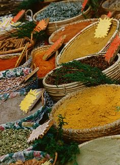 Senteurs de Provence. The scents of the market in Gordes, at the heart of Luberon