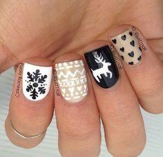Adorable Christmas Nails!