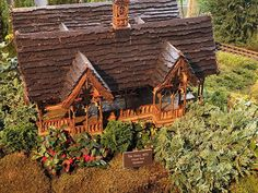 Tricia Deed - Blog Posts Model Building Kits, Building Structure, Kite Flying, Arts And Crafts, Diy Crafts, Dance Art, Model Trains, Paper Mache, Balloons