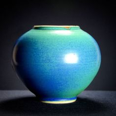 Turquoise vase #porcelain #pottery #potter #pottersofinstagram #potsinaction #ceramics #turquoise #caldwellpottery #cone10 #handmade #buyhandmade #supportsmallbusiness #etsy #etsyseller #etsyshop #art #functionalart #ceramicvase #utah #parkcity